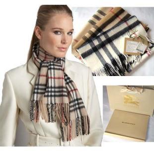 6663ab8a5015 Кашемировый шарф Burberry - 8 цветов на выбор   Шарфы   Аксессуары ...